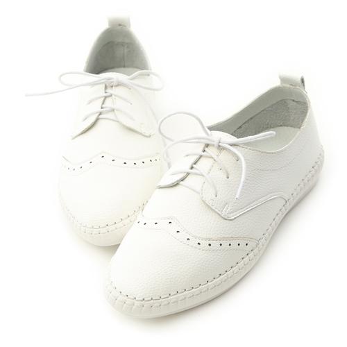舒適牛津鞋推薦 好穿好走又好搭 超Q軟白色雕花牛津鞋