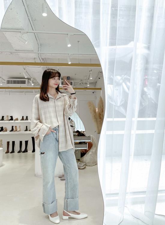 素面方頭後空低跟鞋穿搭 D+AF女鞋品牌敦南門市店員穿搭示範