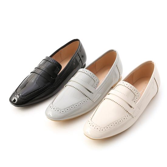 D+AF 樂福鞋穿搭美學 漆皮雕花方頭樂福鞋