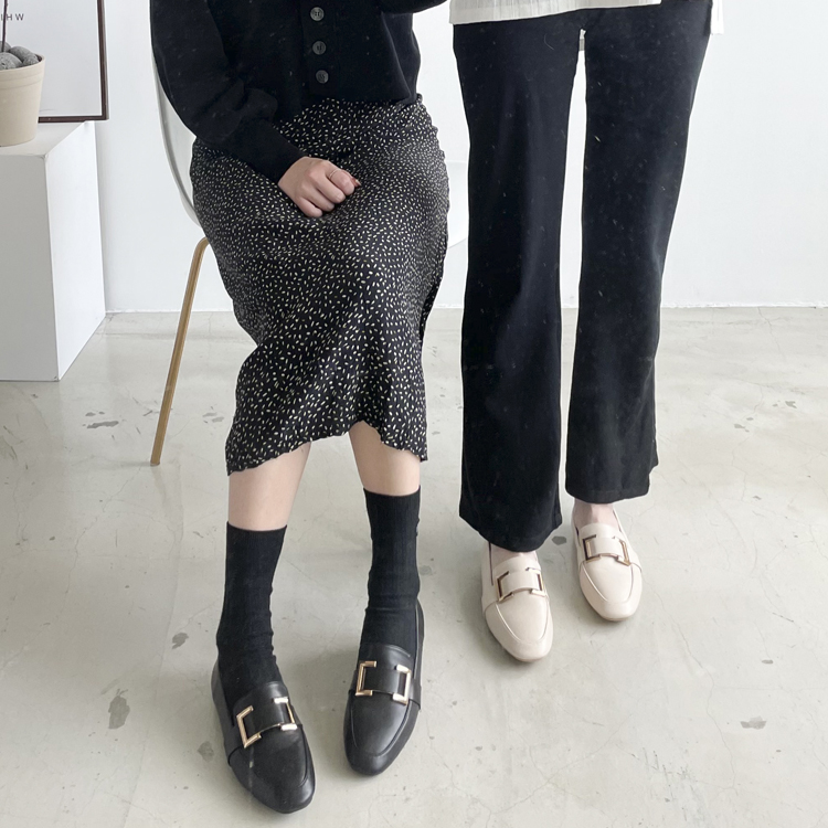 D+AF 樂福鞋穿搭美學 質感方金釦樂福鞋 獨特品味