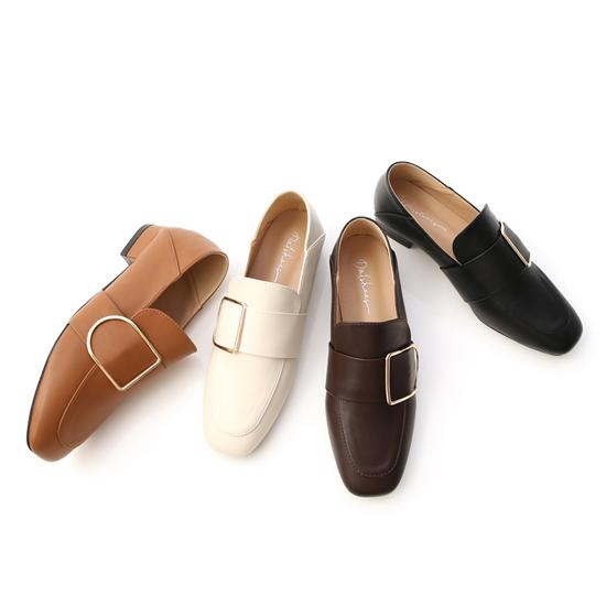 D+AF樂福鞋穿搭美學 方金釦可後踩樂福鞋 質感首選