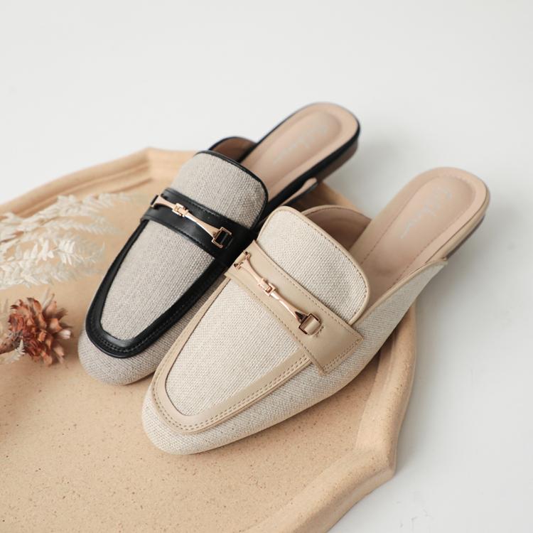 穆勒鞋推薦馬銜釦拼接平底穆勒鞋 黑色 米色
