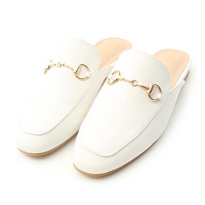 D+AF 2021小白鞋推薦鞋款 經典潮流 白色馬銜釦穆勒鞋