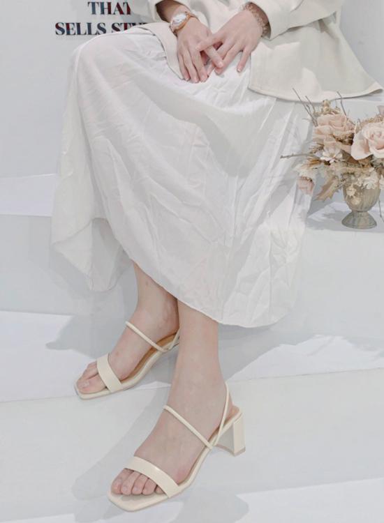 D+AF 2021小白鞋推薦鞋款 純真夏戀 門市小姐姐白色涼鞋穿搭 編輯實拍白色涼鞋
