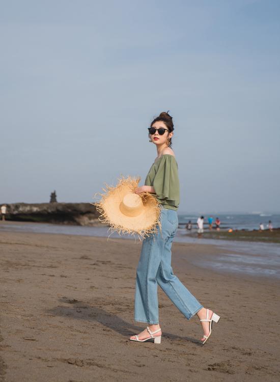 一字細帶方頭中跟涼鞋 ALLEY穿搭 海邊搭配一字涼鞋