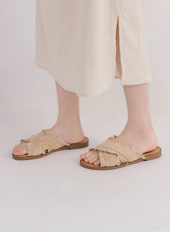 拇指外翻脫鞋穿搭推薦 鬚鬚流蘇交叉平底拖鞋
