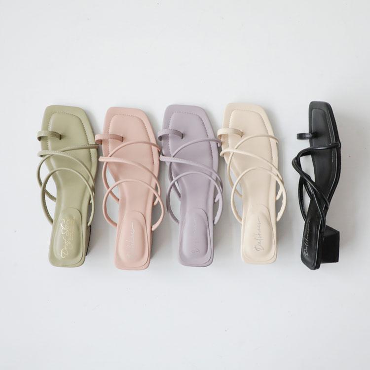 交叉細帶套指低跟涼鞋