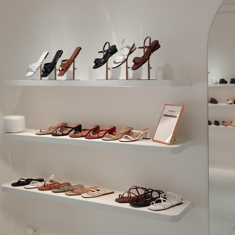 D+AF 南西旗艦店 女鞋店 中山商圈 南西商圈 流行女鞋 涼鞋 拖鞋