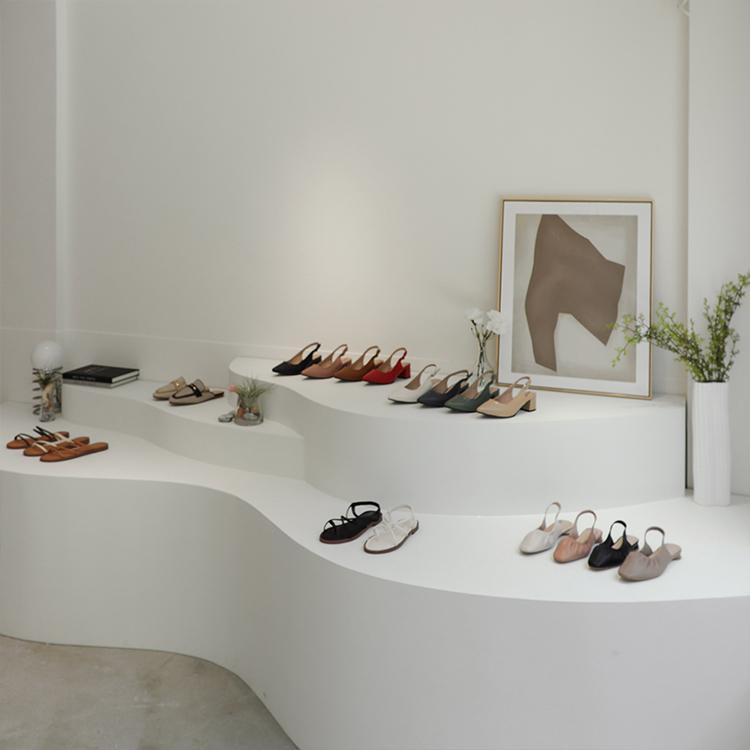 D+AF 南西旗艦店 女鞋店 中山商圈 南西商圈 梯田展台 純白空間 藝廊