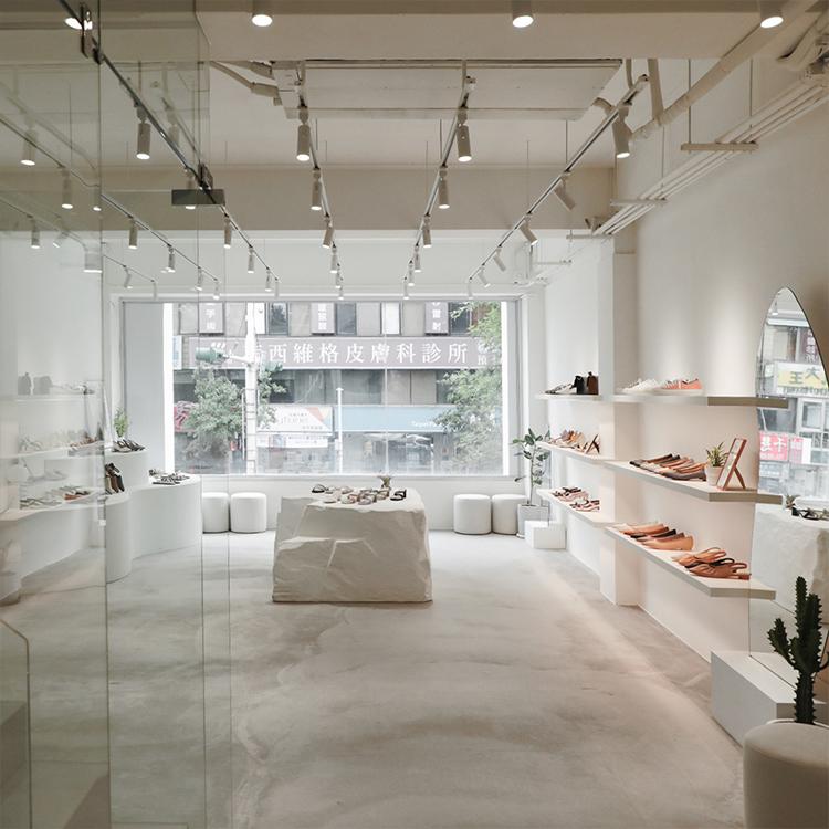D+AF 南西旗艦店 女鞋店 中山商圈 南西商圈 藝廊 純白空間