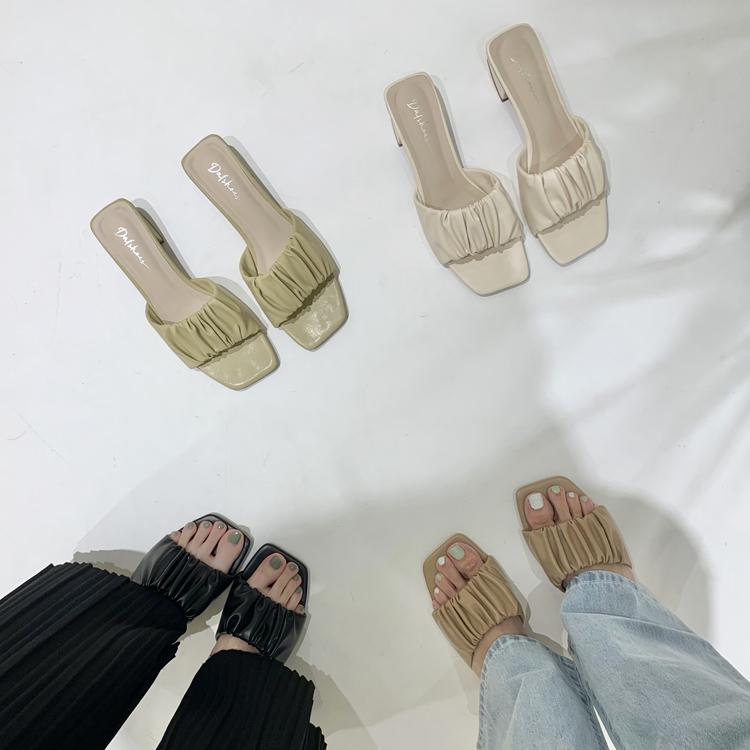 D+AF輕盈浪漫 雲朵抓皺設計 寬帶涼鞋 寬版低跟涼鞋 寬腳板涼鞋推薦